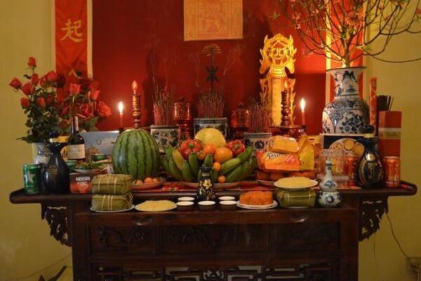 Thắp hương mùng 1 cần những gì trên bàn thờ gia tiên
