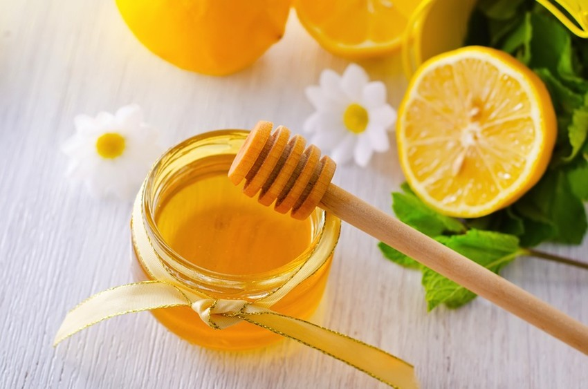 Hình ảnh mặt nạ chanh và mật ong để trị mụn dành cho da nhờn