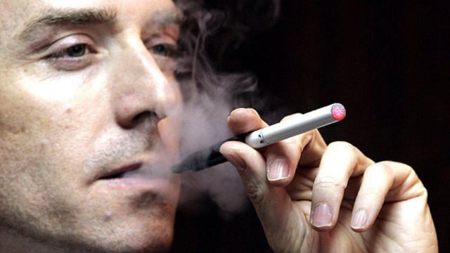 Hút thuốc lá là nguyên nhân làm tăng huyết áp