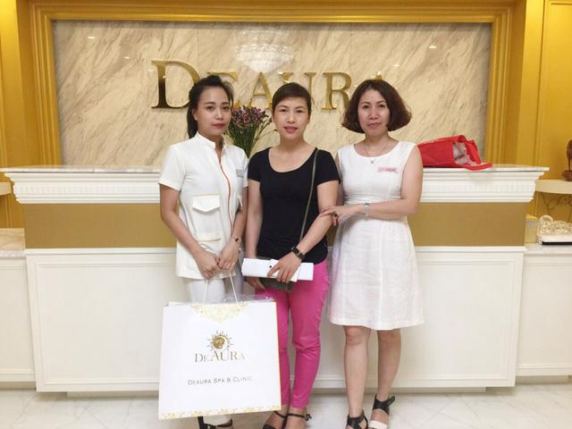 Khách hàng mua mỹ phẩm Deaura trả góp