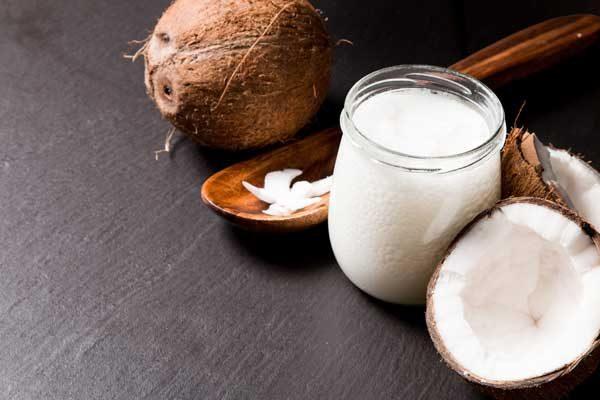 Sử dụng dầu dừa nguyên chất