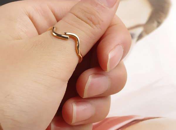 Ý nghĩa của việc đeo nhẫn ngón tay cái